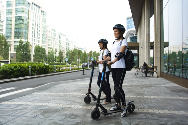 cascos para patinete eléctrico