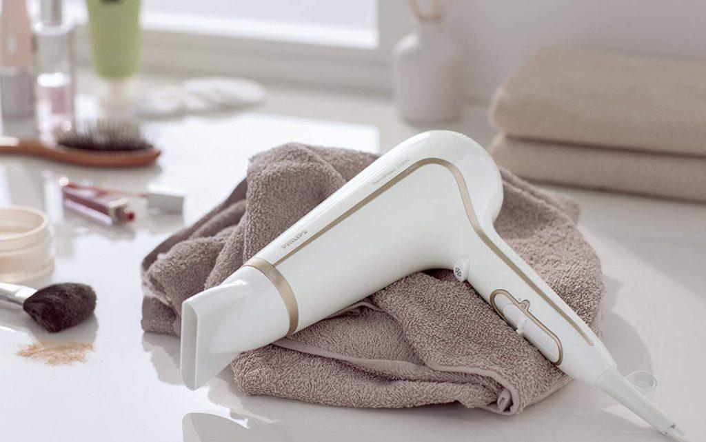 mejores secadores de pelo silenciosos - Philips HP8232/00 DryCare Advanced